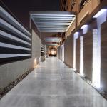 Corridors & Entrances